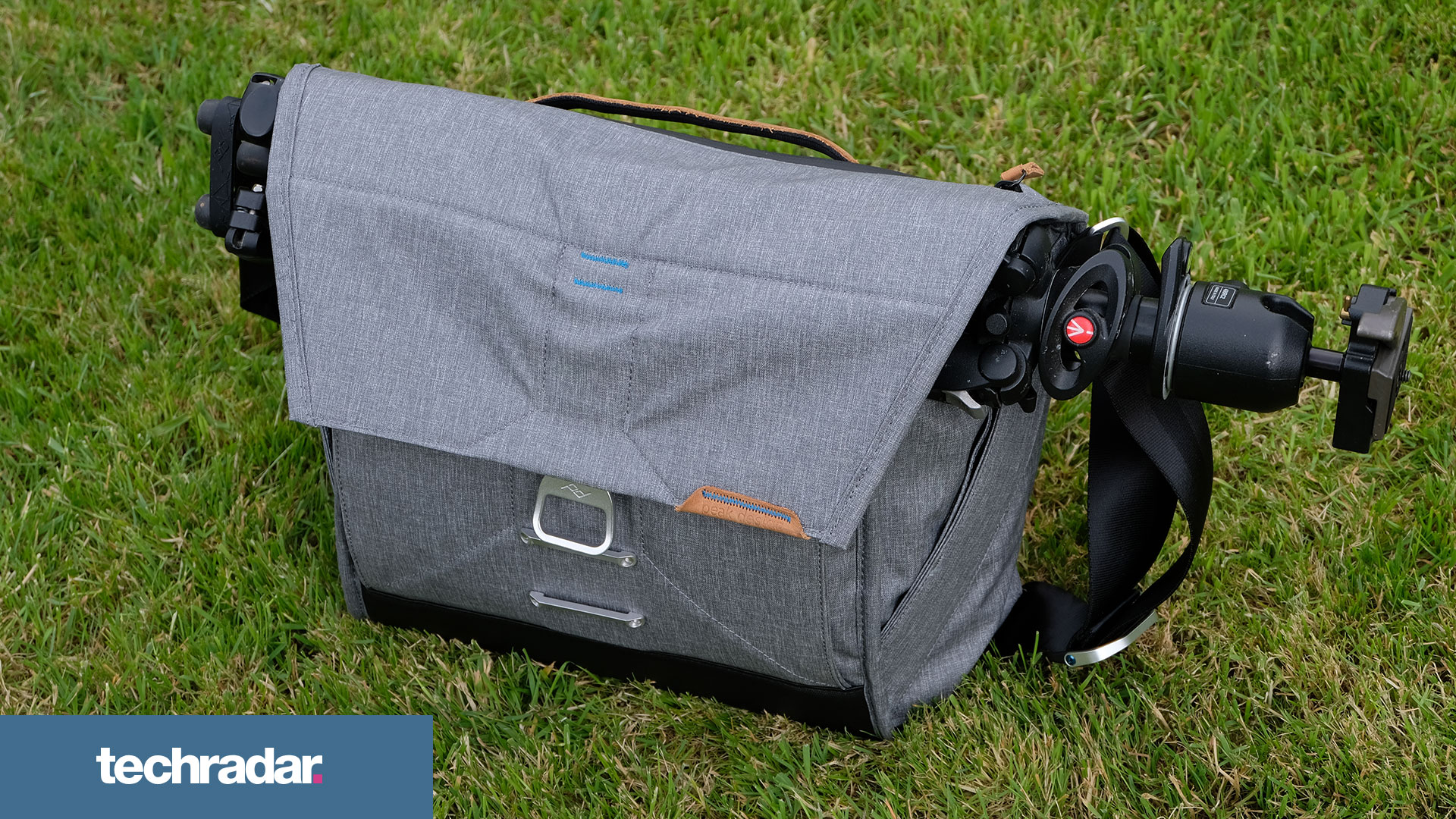 Peak Design Everyday Messenger 13 V2 review